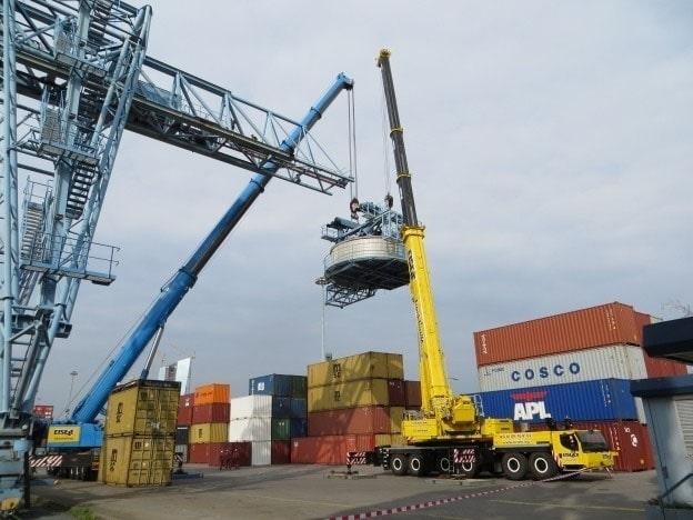 Demonteren gebruikte Aumund-containerkraan