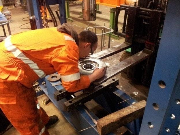 Schade aan dwangrollen katrijden Figee-containerkraan