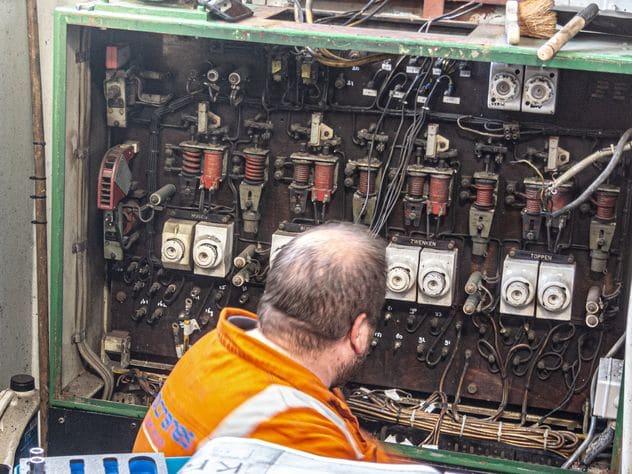 elekriciteitskast regelaar kraan